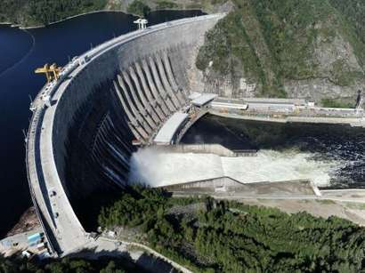 عکس: مجلس ایران ساخت نیروگاههای برق با آذربایجان را تصویب کرد / ایران