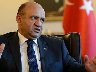 صور: وزير الدفاع التركي: أبلغت كارتر دعمنا لعملية محتملة ضد داعش بالرقة  / وجه النظر