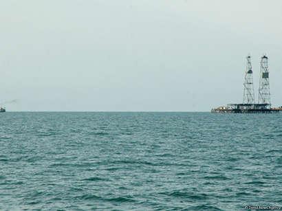 عکس: آمادگی شرکتهای آذربایجانی و روسی برای کمک به استخراج نفت ایران در دریای خزر / ایران