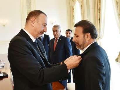 عکس: اعطای نشان دوستی رئیس جمهوری آذربایجان به واعظی / ایران