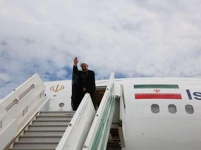 عکس: دکتر روحانی آستانه را به مقصد تهران ترک کرد / سیاست