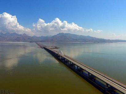عکس: آب منطقه ای آذربایجان شرقی: سطح آب دریاچه ارومیه 70 سانتی متر افزایش یافت / اجتماعی