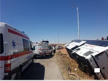 عکس: واژگونی اتوبوس در محور زاهدان-خاش   / حوادث