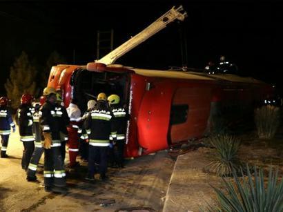 عکس: واژگونی اتوبوس در اصفهان ۱۰کشته و ۱۸ مصدوم داشت   / حوادث