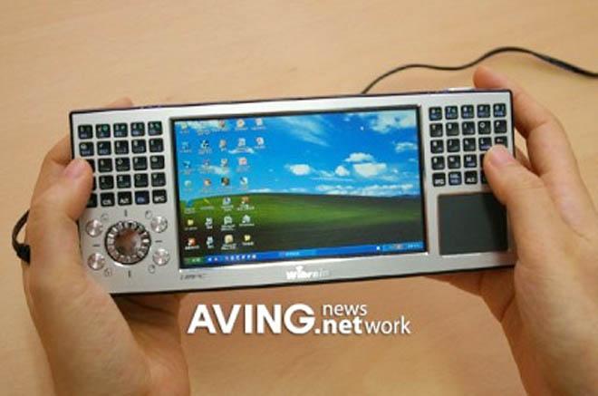 UMPC Wibrain B1 с QWERTY-клавиатурой