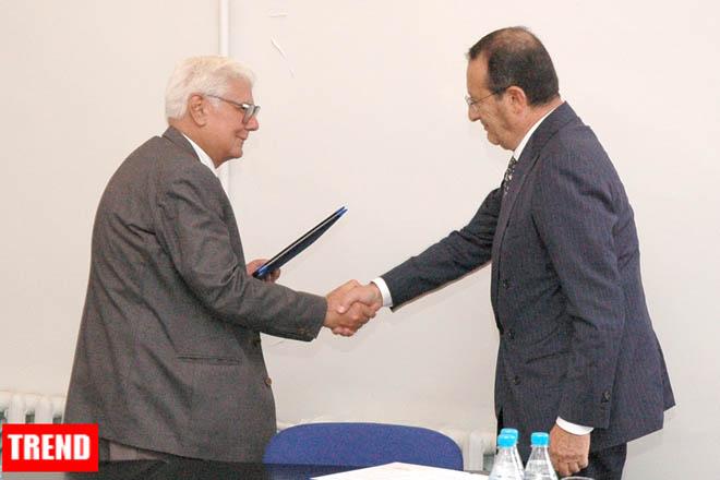 AZERI, ITALIAN CCIs SIGN AGREEMENT ON CO-OP