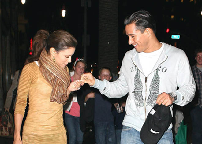 Mario Lopez dating Eva Longoria