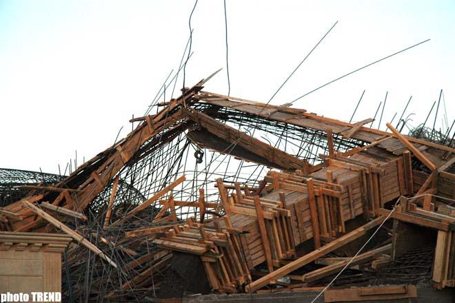 """Под развалинами в Центре отдыха """"Neapol"""" еще остаются два человека – Дополнено 5 (добавлены 6-й и 7-й абзац)  (видео)"""