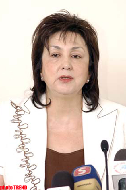 Chairman of State Students Admission Commission Claims Students Studying Abroad at Expense of State should Work in   Azerbaijan for Five Years After Graduation (video)