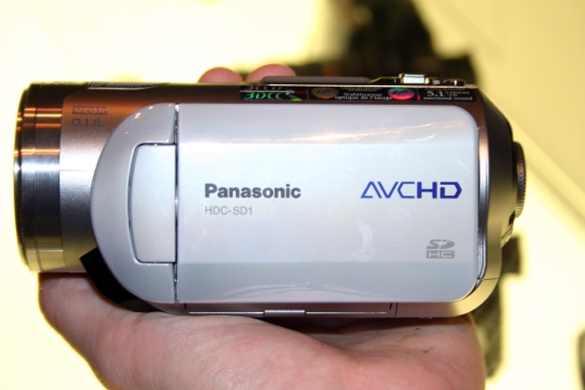 Hands On the Panasonic HDC-SD1 HD Camcorder