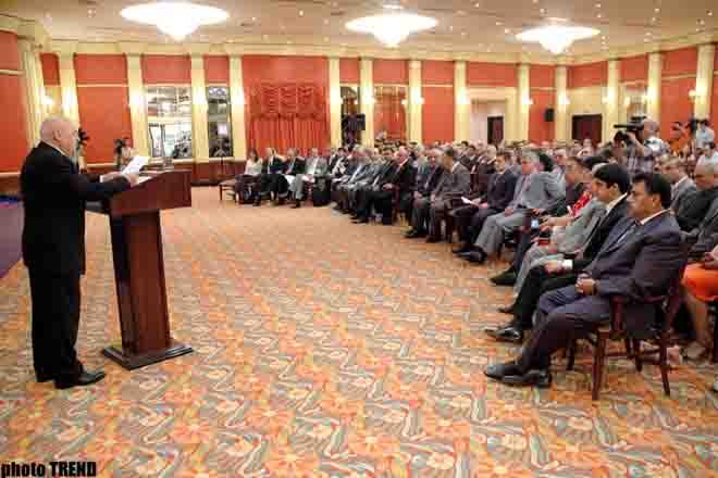 В процессе приватизации госсобственности образовано свыше 120 тыс. АО - глава Госкомитета по имуществу Азербайджана