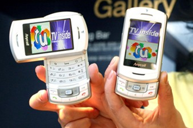 SCH-B710: телефон с поддержкой S-DMB и T-DMB