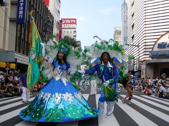 Токио приглашает на карнавал самбы