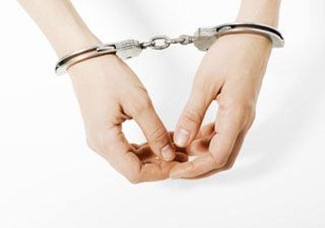 ABŞ-da 28 yaşlı erməni qadın saxta nigahların təşkilinə görə həbs edilib