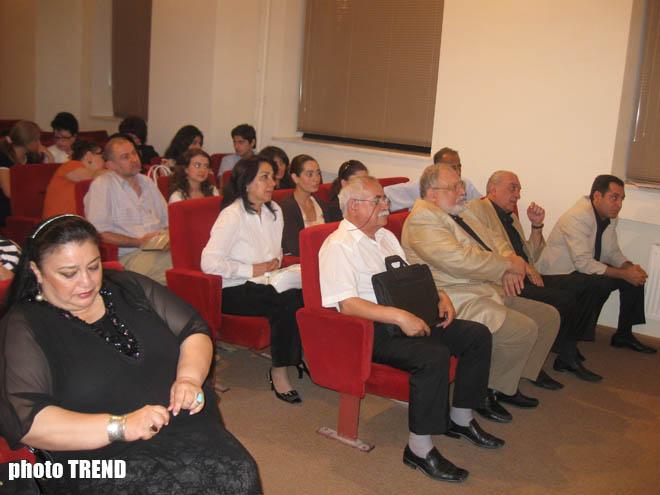 Məşhur opera müğənnisi Xuraman Qasımova yubileyini ailəsi ilə birgə qeyd edəcək (FOTO)