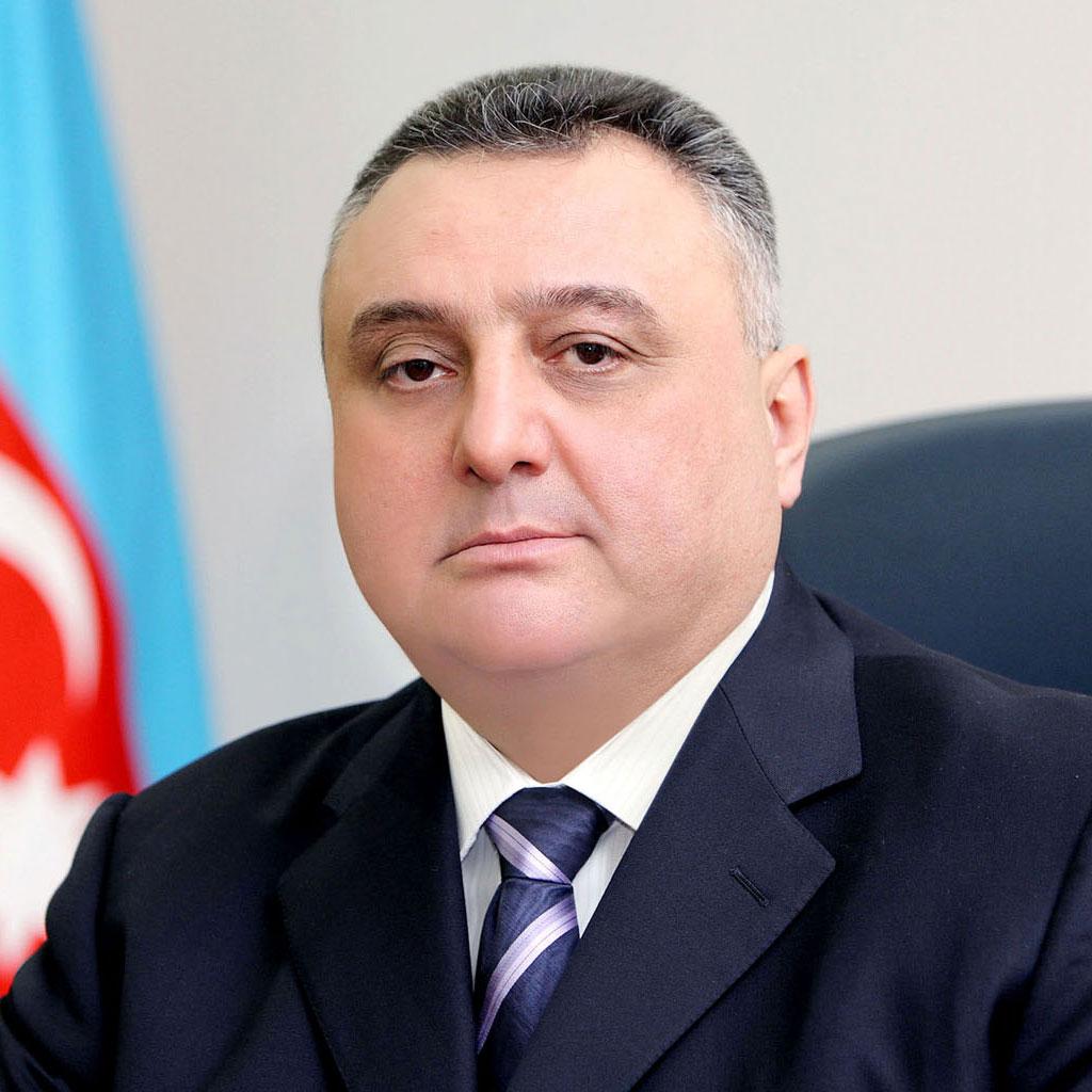Zərərçəkmiş Eldar Mahmudovun məhkəməyə çağırılmasını istədi -