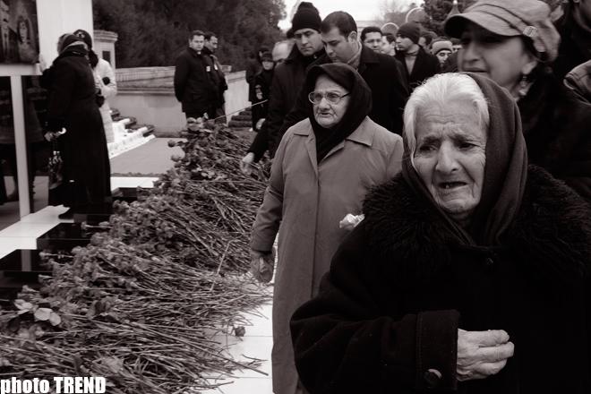 Azerbaijan's community marks twentieth anniversary of 20 January tragedy (PHOTOSESSION)