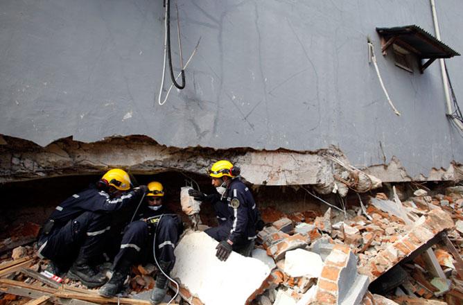 Turkey pledges safer homes after quake