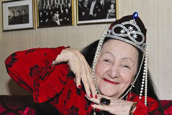 В Баку прошел фестиваль в честь Королевы азербайджанского танца (ФОТО)