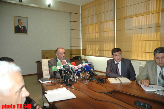 Azerbaijan to start pilot program on targeted social aid from 2011 (PHOTOS)