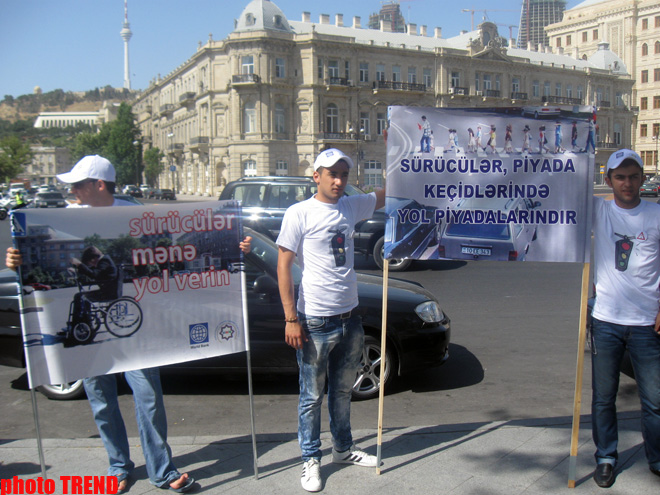 Rally on traffic rules held in Azerbaijan (PHOTO)