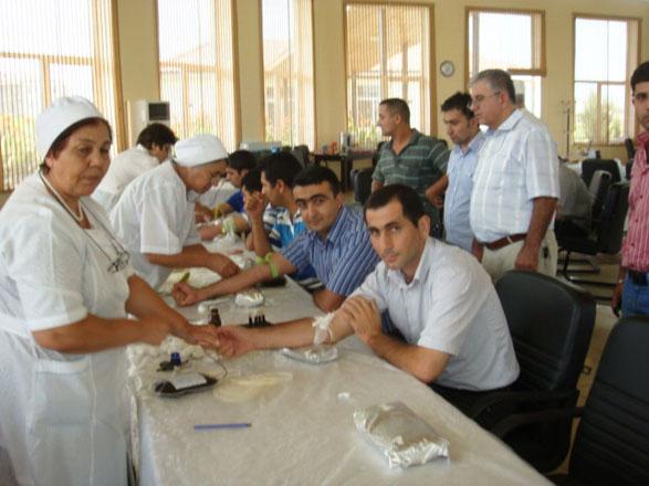 Azersun holds blood drive during Ramadan (PHOTO)