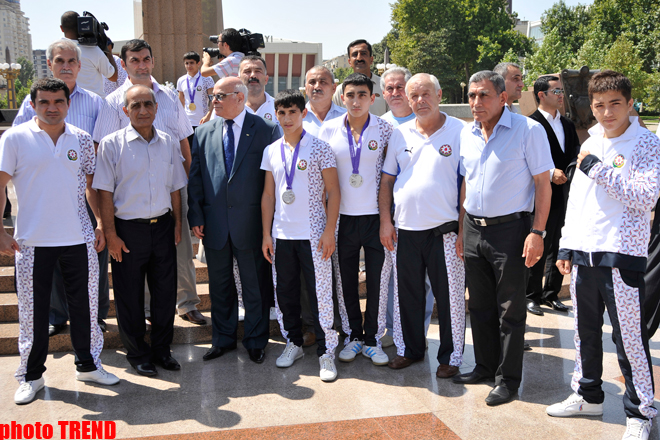 Minister: Azerbaijani athletes' success at Olympic Games in Singapore confirms development of children's and youth sports (UPDATE) (PHOTO)