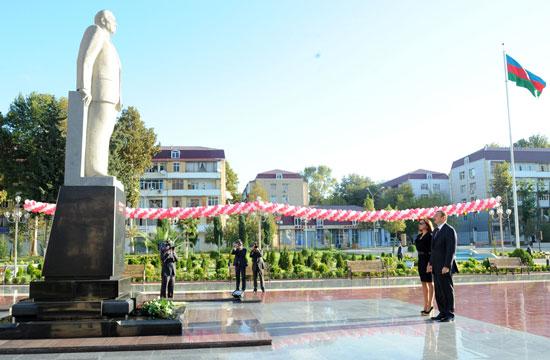 Azerbaijani President arrives in Mingachevir region (PHOTO)