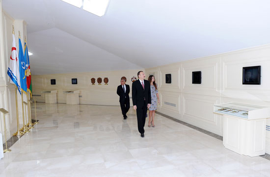 Президент Ильхам Алиев принял участие в открытии Музея Государственного флага (ДОПОЛНЕНО) (ФОТО)