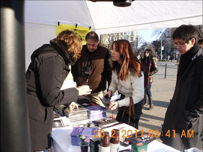 Сотни человек в Чехии подписали декларацию, объявляющую Армению агрессором (ФОТО)