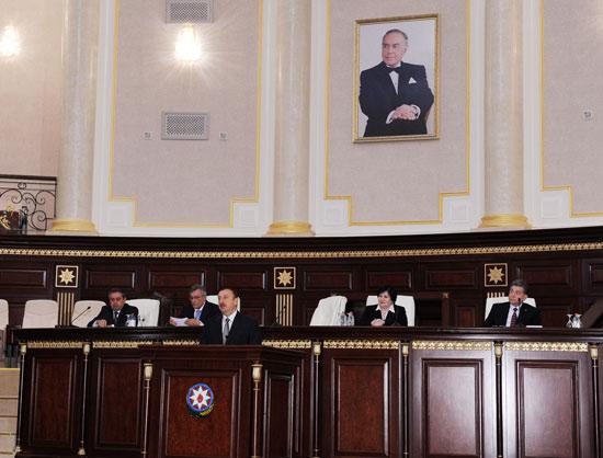Президент Ильхам Алиев: Необходимо разработать дополнительные механизмы для привлечения азербайджанской молодежи в науку (версия 3) (ФОТО)