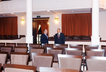 Azerbaijani President familiarizes with Azerbaijan State Song Theater after capital repair and reconstruction (PHOTO)