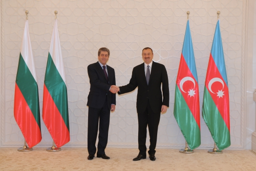 Bulgarian president officially welcomed to Azerbaijan (PHOTO)