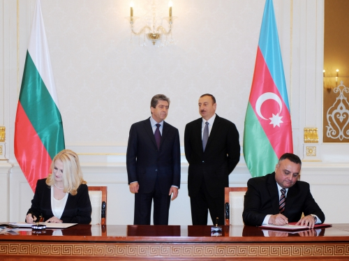 Azerbaijan, Bulgaria sign bilateral documents (PHOTO)