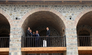 "President Ilham Aliyev inspects reconstruction work in ""Ashagi Karvansaray"" complex in Shaki region (PHOTO)"
