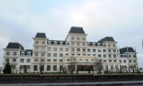 Azerbaijani President opens Qafqaz Sport Hotel in Gabala (PHOTO)