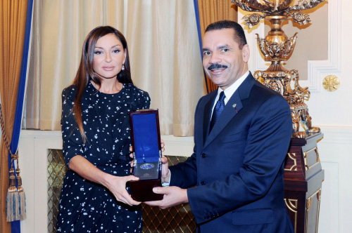 Azerbaijan`s first lady Mehriban Aliyeva honored with Interpol`s memorial medal (PHOTO)