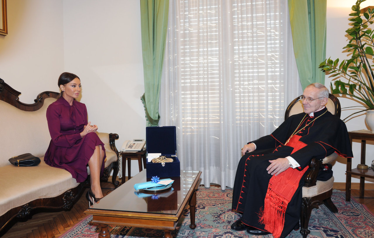 Azerbaijan`s first lady meets president of Pontifical Council for Inter-religious Dialogue of Vatican (PHOTO)