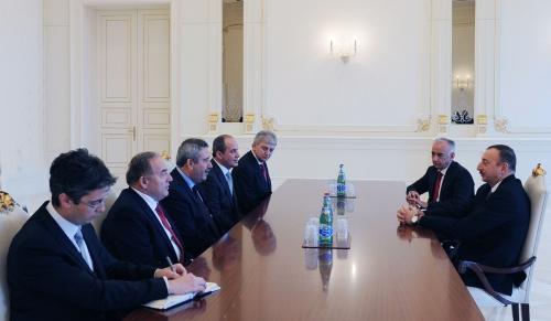 President Ilham Aliyev receives governor of Izmir province of Turkey (PHOTO)