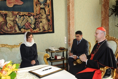 Azerbaijan's First Lady meets Cardinal Secretary of State in Vatican (PHOTO)