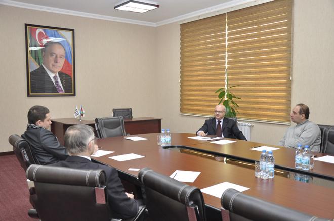 """Belarusun Mərkəzi televiziyasının çəkiliş qrupu """"Azərikimya"""" İB-də olub (FOTO)"""