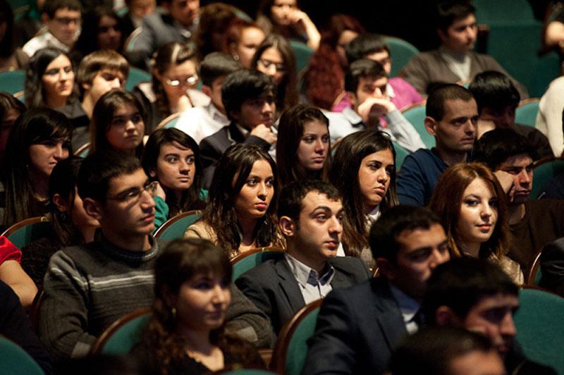 Leyla Əliyeva: RAGT həm Azərbaycan gənclərini birləşdirməyə, həm də onların Rusiya cəmiyyətinə inteqrasiyasına kömək göstərməyə çalışır (FOTO)