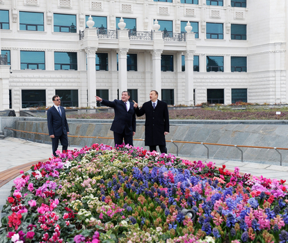 President Ilham Aliyev inspects new park in front of Tax Ministry`s Special Regime Tax Service Department (PHOTO)
