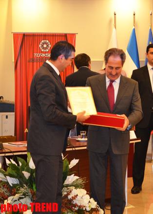 Trend удостоен премии TURKSOY за вклад в развитие тюркского мира (ФОТО)
