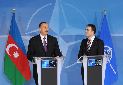 Президент Ильхам Алиев: Азербайджан готов обсудить новые предложения в целях расширения сотрудничества с НАТО (ФОТО)