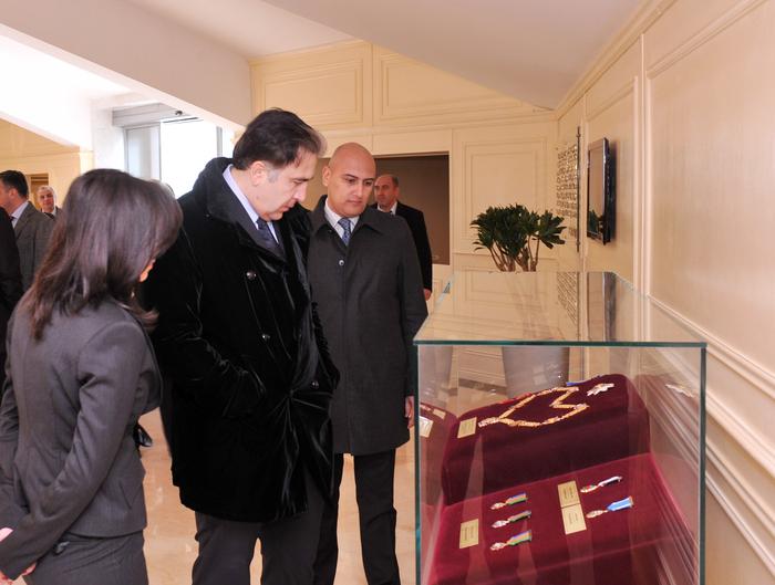 Президент Грузии ознакомился с площадью Государственного флага в Баку (ФОТО)