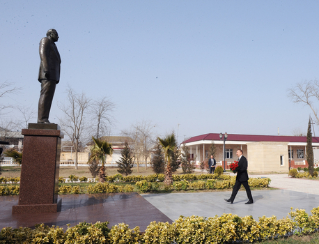 Президент Азербайджана ознакомился с ходом строительства ряда объектов в Сальяне (ФОТО)