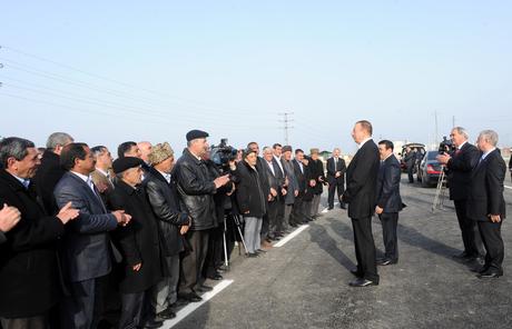 Президент Ильхам Алиев: Сальян станет одним из красивейших городов этого региона и Азербайджана (версия 2) (ФОТО)