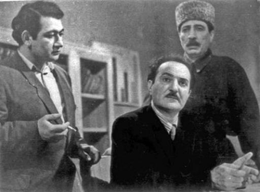 Агасадых Герайбейли -115 лет: от женской роли до игры на сцене вслепую (фото)