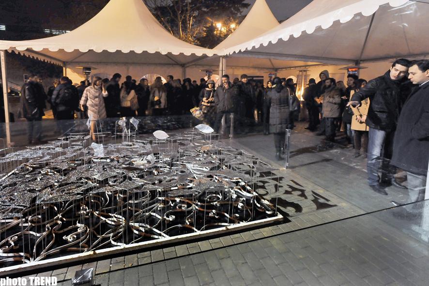 Организация YARAT! открыла в Баку выставку художницы Аиды Махмудовой (ФОТО)